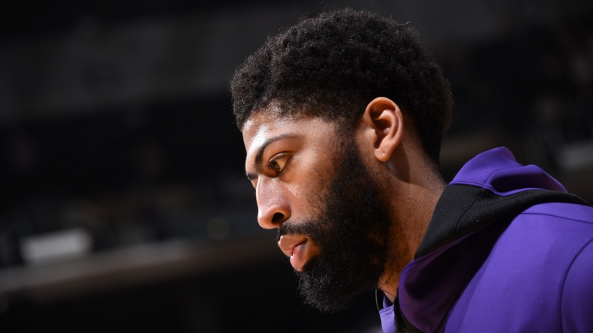 Anthony Davis leaves Lakers game early but expects swift recovery