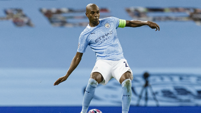 Fernandinho to succeed David Silva as Manchester City captain