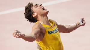 Armand Duplantis breaks pole vault world record