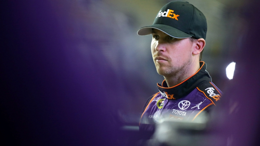 Hamlin wins Hollywood Casino 400 at Kansas