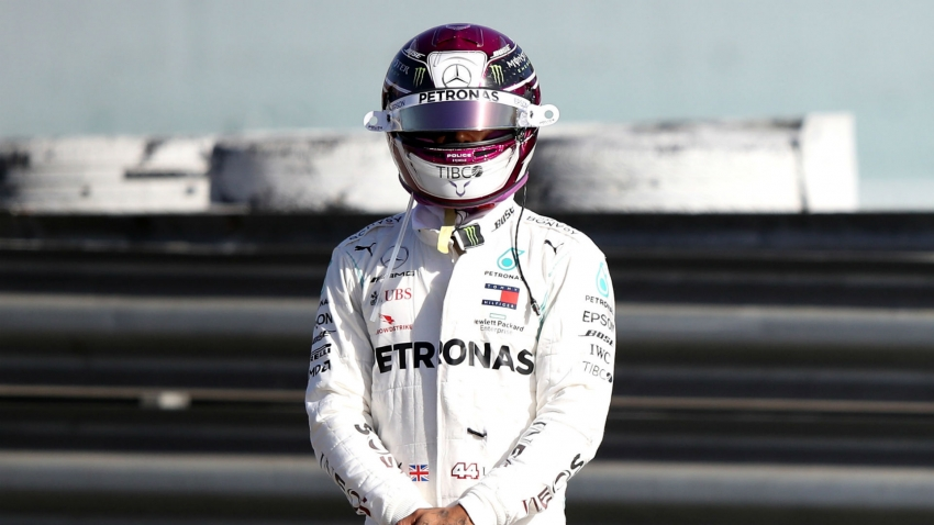 Hamilton's Mercedes breaks down in testing