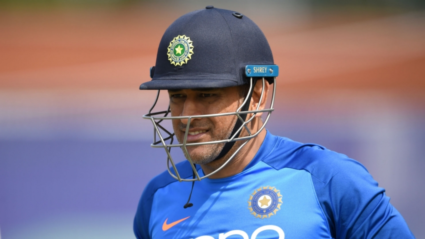 Dhoni not given central contract by BCCI