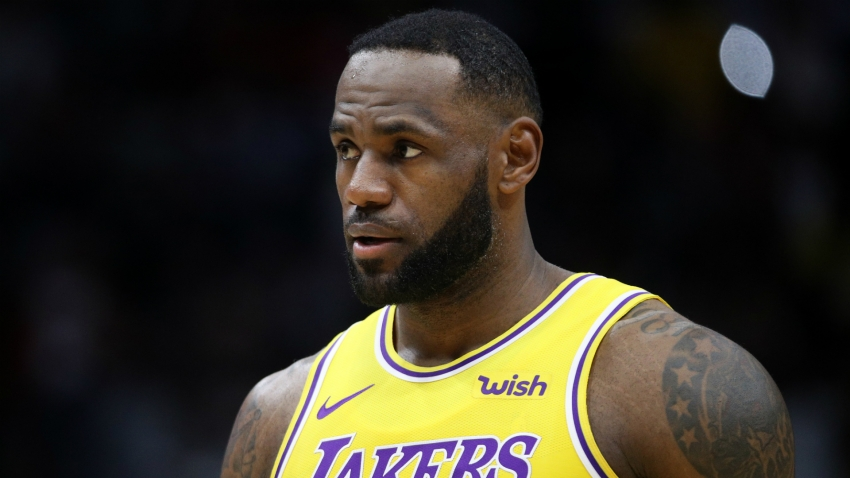 'Quarterback' LeBron James praised as Lakers escape with win over Magic