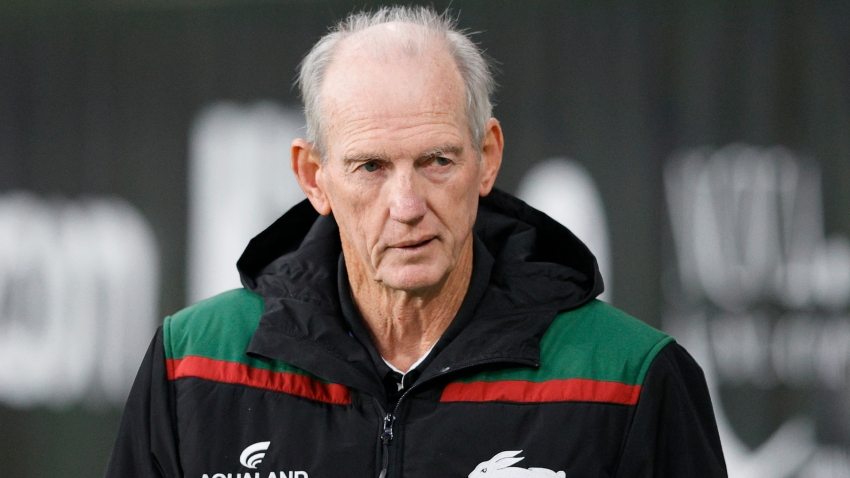 Rabbitohs coach Bennett and Dragons' Vaughan forced into self-isolation