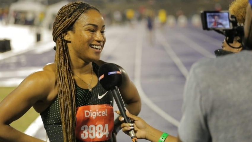 Briana Williams 7.15 60m run excites crowd at Queens/GraceJackson meet