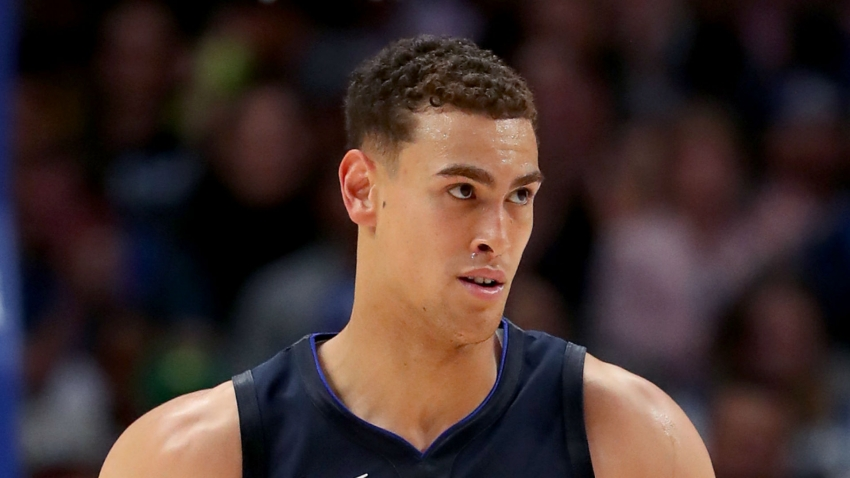 Mavs confirm center Dwight Powell ruptured right Achilles