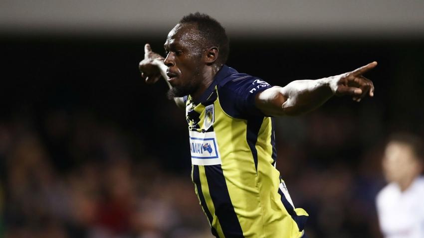 Bolt scores twice to stake claim for Mariners contract