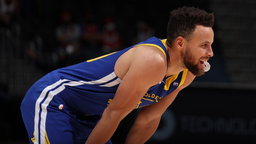 Red-hot Curry cools off after lights go out on Warriors in New Orleans