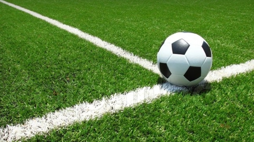 Benbow strikes as Mount Pleasant make ground on league leaders