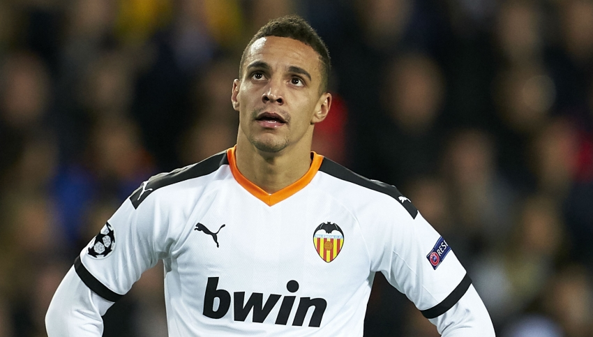 Valencia confirm Rodrigo knee injury