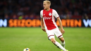 Rumour Has It: Real Madrid lead Van de Beek race with Manchester United unwilling to meet asking price