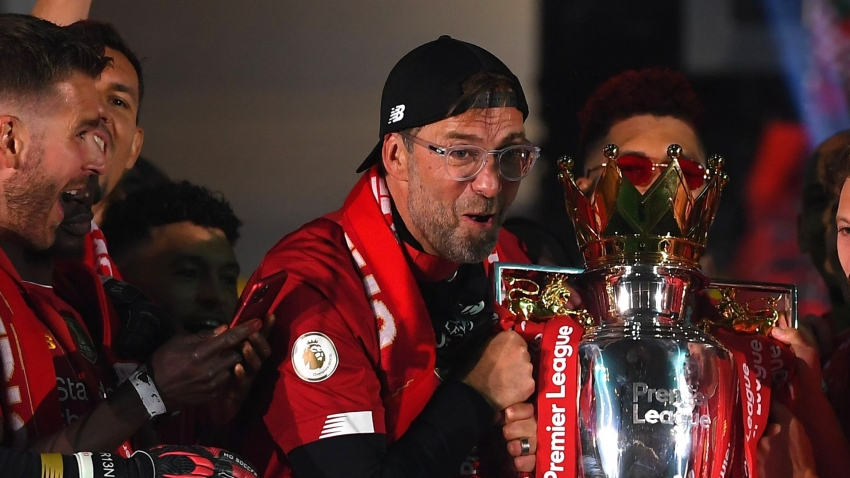 Klopp names SIX teams in Premier League title contention