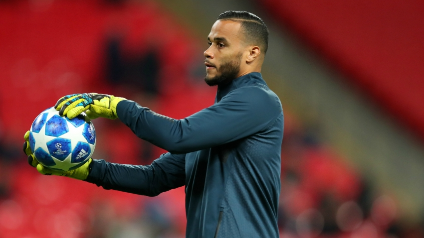 Tottenham re-sign Vorm as cover for injured Lloris
