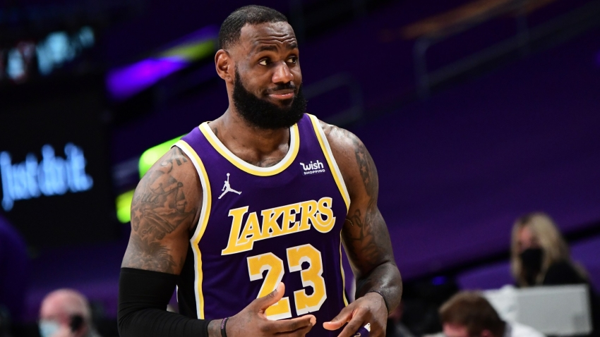 LeBron James ready for Lakers-Warriors and tips Stephen Curry for MVP award