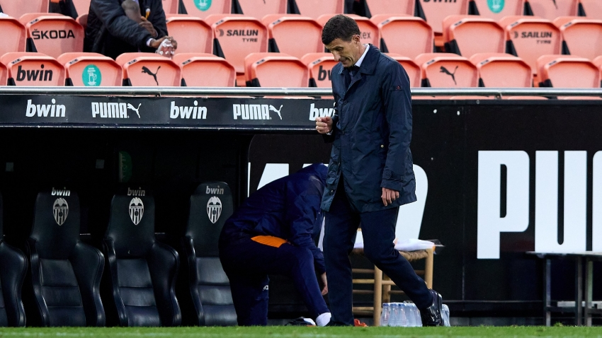 Valencia sack Javi Gracia after Barcelona loss