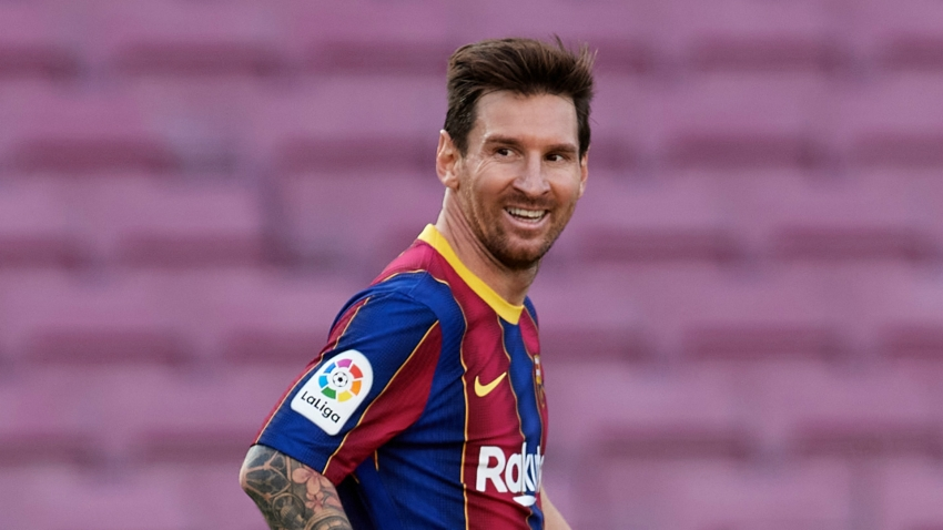 Messi is the best in the world... Barca players must adapt to him - De Jong