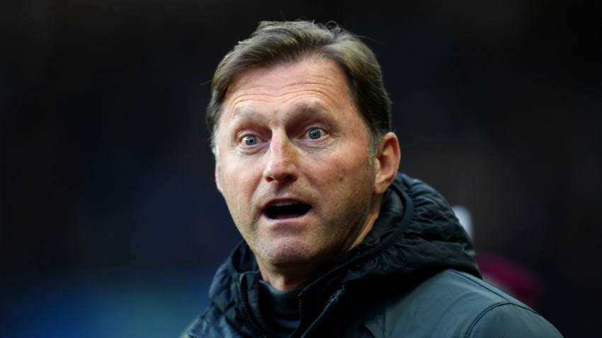The only rule that works in VAR is offside - Hasenhuttl criticises Wenger's proposed change