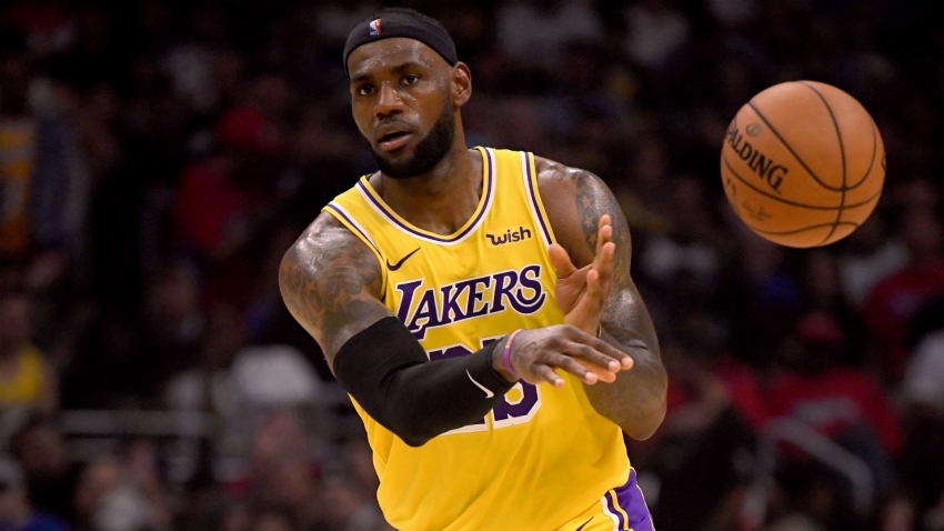 LeBron 'just trying to get back to who I am' as Lakers lose opener to Clippers