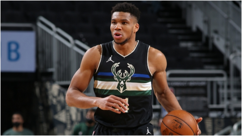 Giannis on up-and-down Bucks: This is when we get better