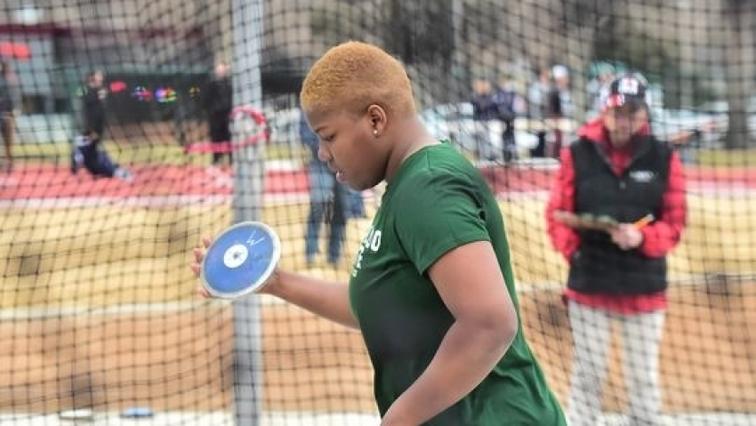 Lawrence breaks national discus record again