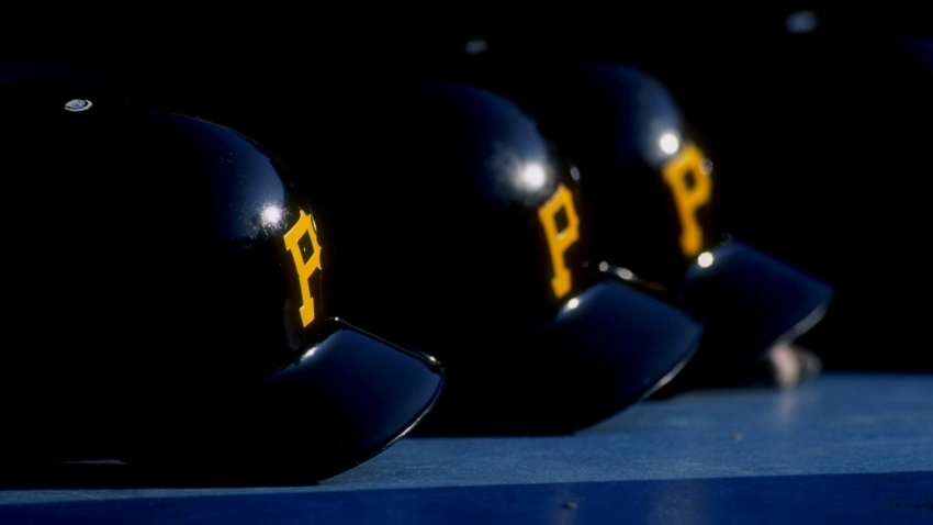 Pirates hire Derek Shelton as manager