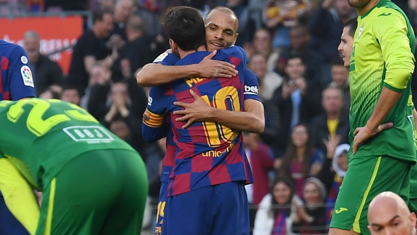 Braithwaite vows not to wash debut Barca jersey after Messi hug