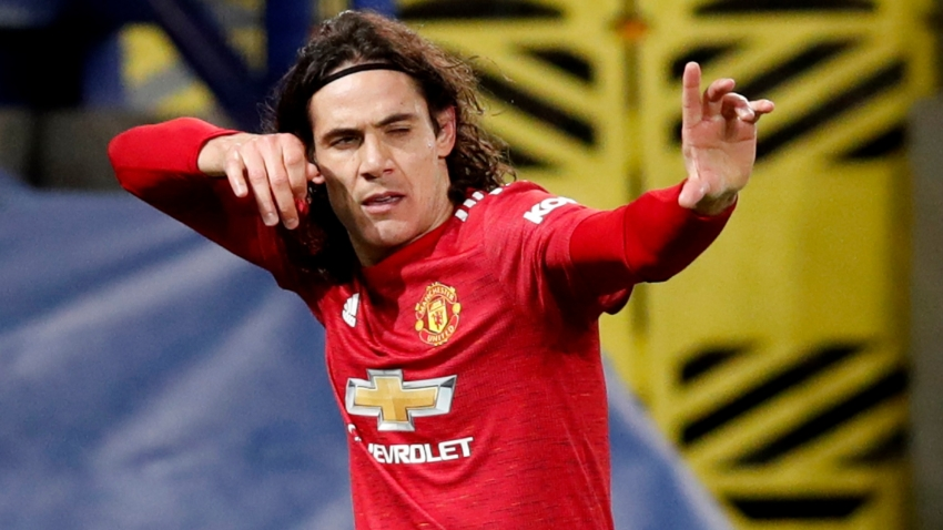 Cavani urges Man Utd to avoid arrogance in title race