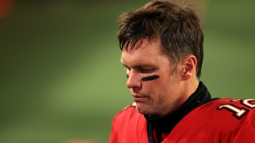 Bucs' Brady cuts short news conference after question about coaching