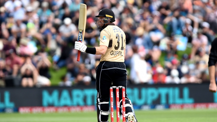 Guptill powers up as NZ hold off Australia fightback to win second T20